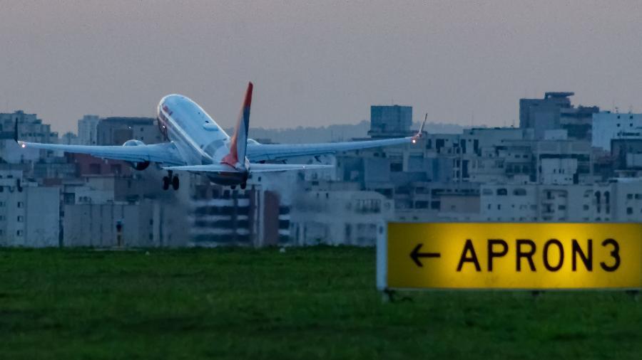 Avião Boeing 737 da Gol decola do aeroporto de Congonhas em 2019 - Alexandre Saconi