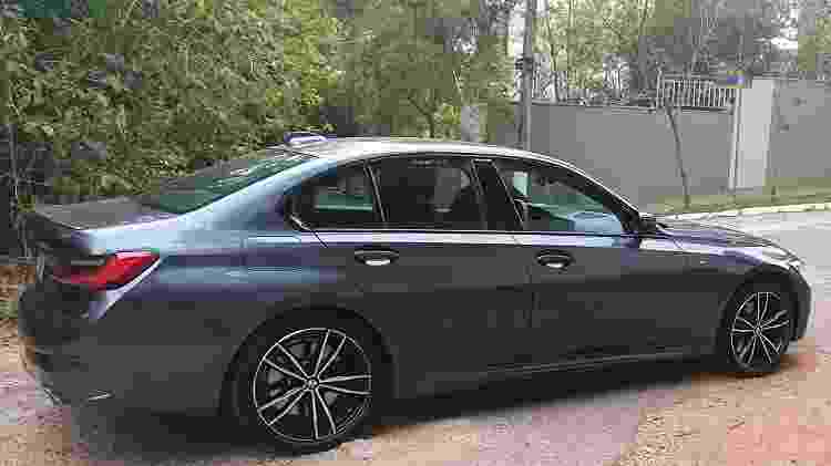 BMW 330e traseira - Rafaela Borges/UOL - Rafaela Borges/UOL