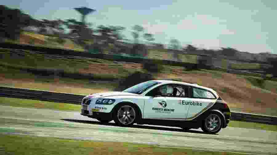 Curso para se tornar piloto de corridas profissional custa R$ 8.900 - Divulgação
