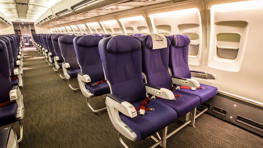 Estúdio de gravação da Air Hollywood, em Los Angeles (EUA), reproduz o interior de uma cabine do Boeing 737 - Divulgação/Air Hollywood