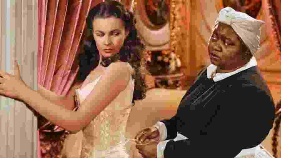 """Vivien Leigh e Hattie McDaniel em """"E o Vento Levou"""" - Warner"""