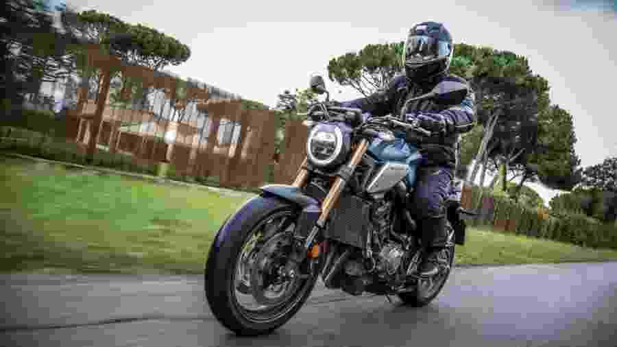 Honda CB 650R tem 95 cv na Europa, mas chegou recentemente ao Brasil com apenas 88,4 cv de potência máxima - Divulgação