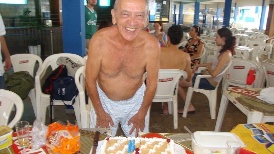Álvaro Leão comemorou os 80 anos jogando futebol todo fim de semana. Morreu de Covid aos 89 - Acervo Pessoal