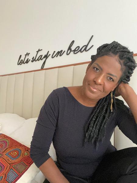 Monique dos Anjos escreve contos eróticos protagonizados por mulheres negras - Divulgação
