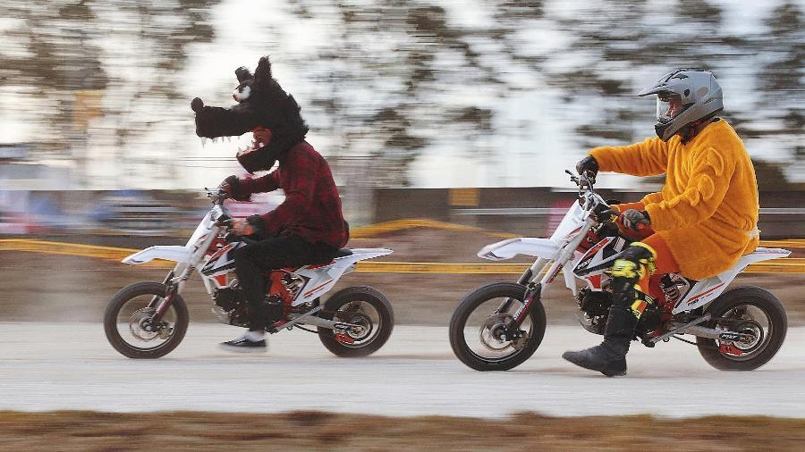 Competição, que acontece nesse domingo (1ª/11) às 14h, terá participação do ator Felipe Titto ao guidão de uma minimoto - Renan Roberto/Divulgação