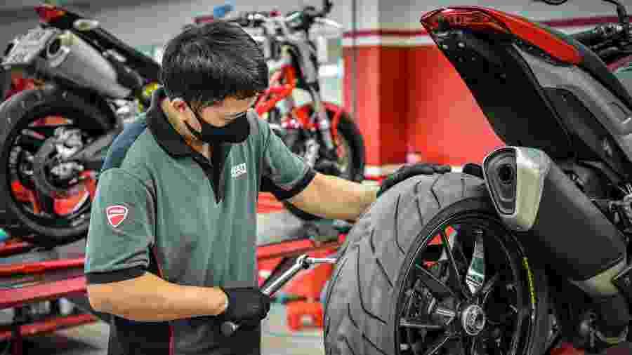 Ducati criou programa mundial de medidas preventivas para receber clientes com segurança em suas lojas - Divulgação