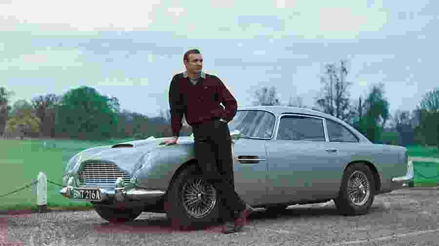"Sean Connery em ""007 Contra Goldfinger"" - MGM"