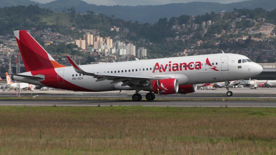 A320 de matrícula PR-OCV, da extinta Avianca Brasil, que hoje opera na Latam com o prefixo PR-TYQ - Alexandre Saconi/10.dez.2016