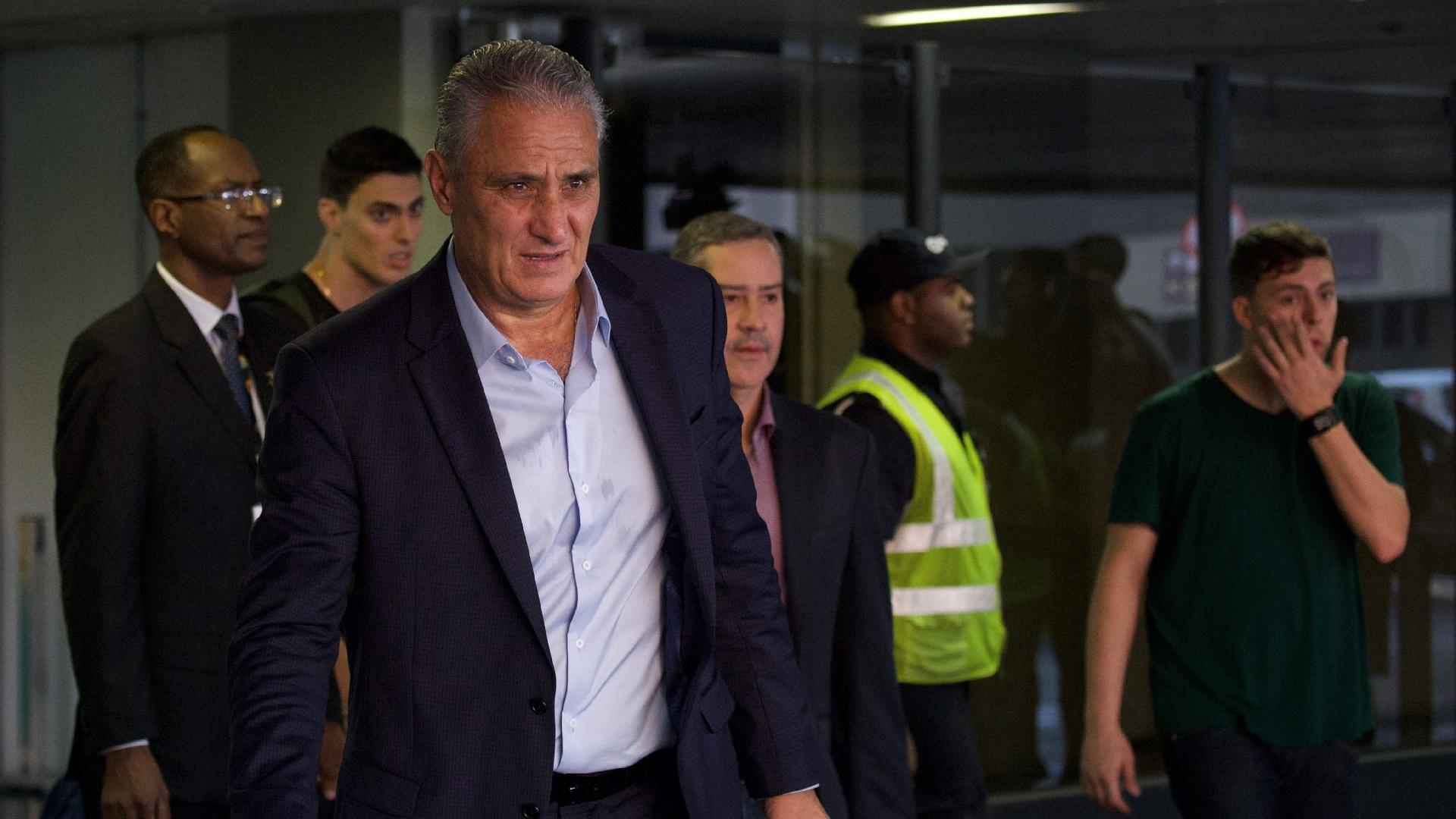 Tite desembarca no Rio de Janeiro após comandar Brasil na Copa do Mundo da Rússia