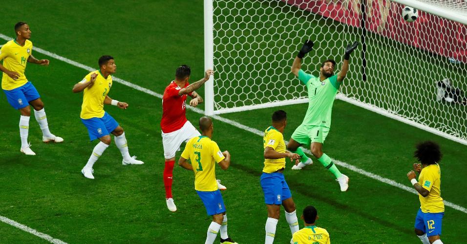 O gol da Suíça diante do Brasil na Copa do Mundo da Rússia, marcado por Zuber