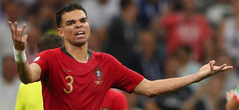 Pepe atuou os 90 minutos das três partidas de Portugal na Copa e cometeu apenas três faltas - Hannah McKay/Reuters