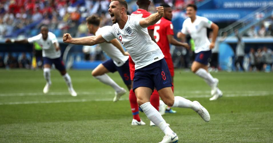 Jordan Henderson celebra gol da Inglaterra marcado por John Stones em jogo contra o Panamá
