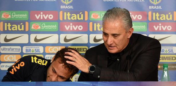 Neymar chorou em entrevista coletiva da seleção ao lado de Tite