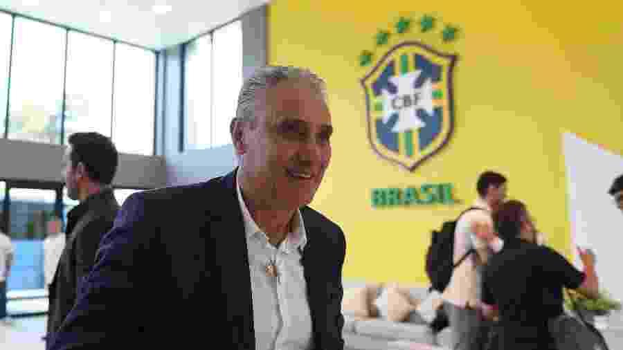 """Tite chega à Granja Comary; seleção terá feijão preto """"russo"""" no cardápio para a Copa do Mundo - Lucas Figueiredo/CBF"""