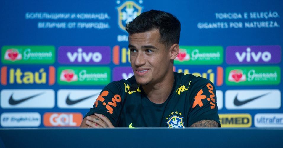 Philippe Coutinho em entrevista coletiva da seleção brasileira em Sochi