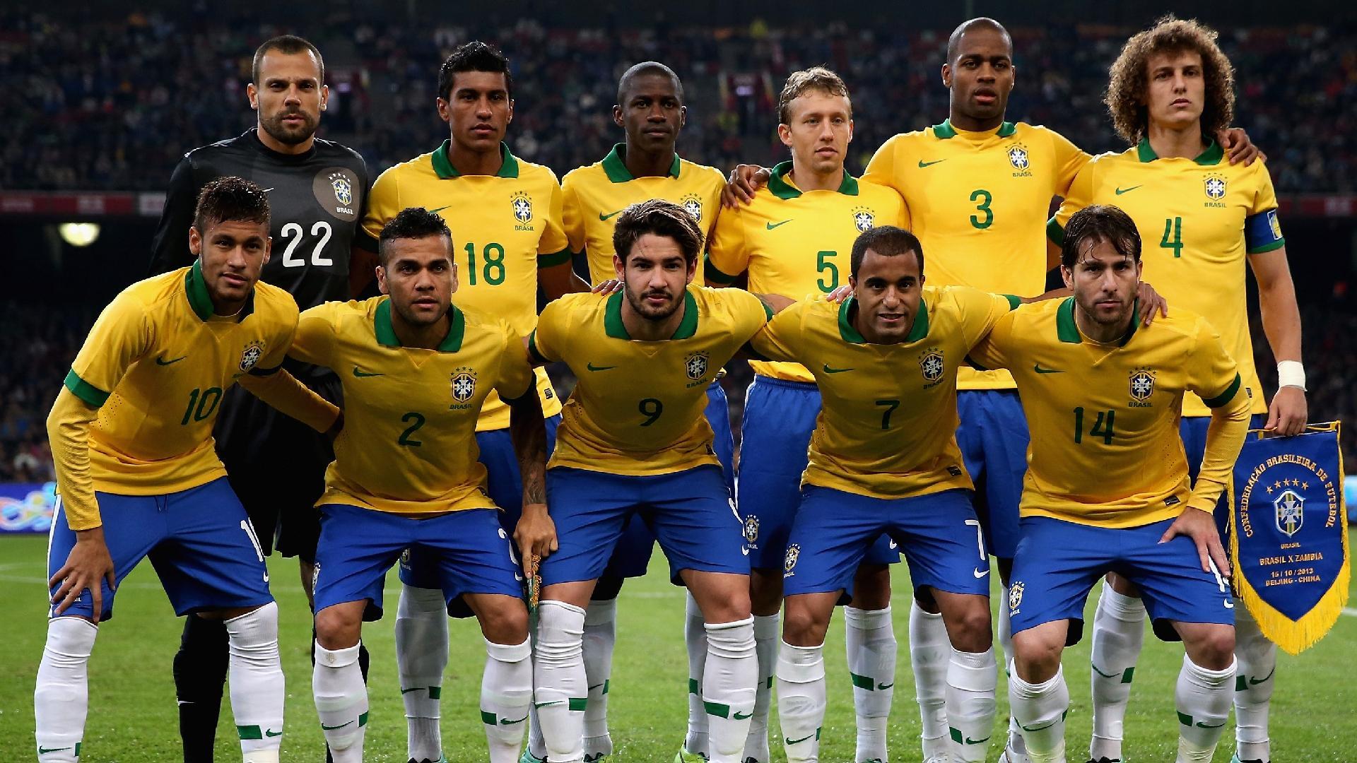 Seleção brasileira posa para foto antes de amistoso com a Zâmbia, em 2013