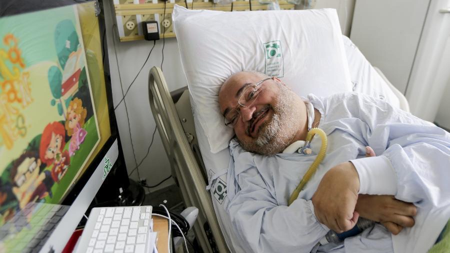 Paulo Henrique Machado, 47, em seu leito na UTI do Centro de Ortopedia e Traumatologia do HCFMUSP (Hospital das Clínicas da Faculdade de Medicina da Universidade de São Paulo), em São Paulo (SP). Foto de 2014 - Carlos Cecconello/Folhapress