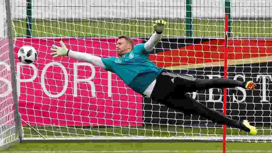 Manuel Neuer durante treinamento da seleção da Alemanha para a Copa do Mundo - Leonhard Foeger/Reuters