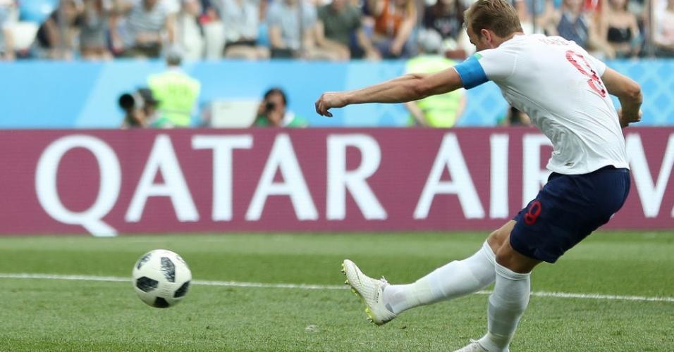 Harry Kane cobra mais um pênalti e marca para a Inglaterra sobre o Panamá