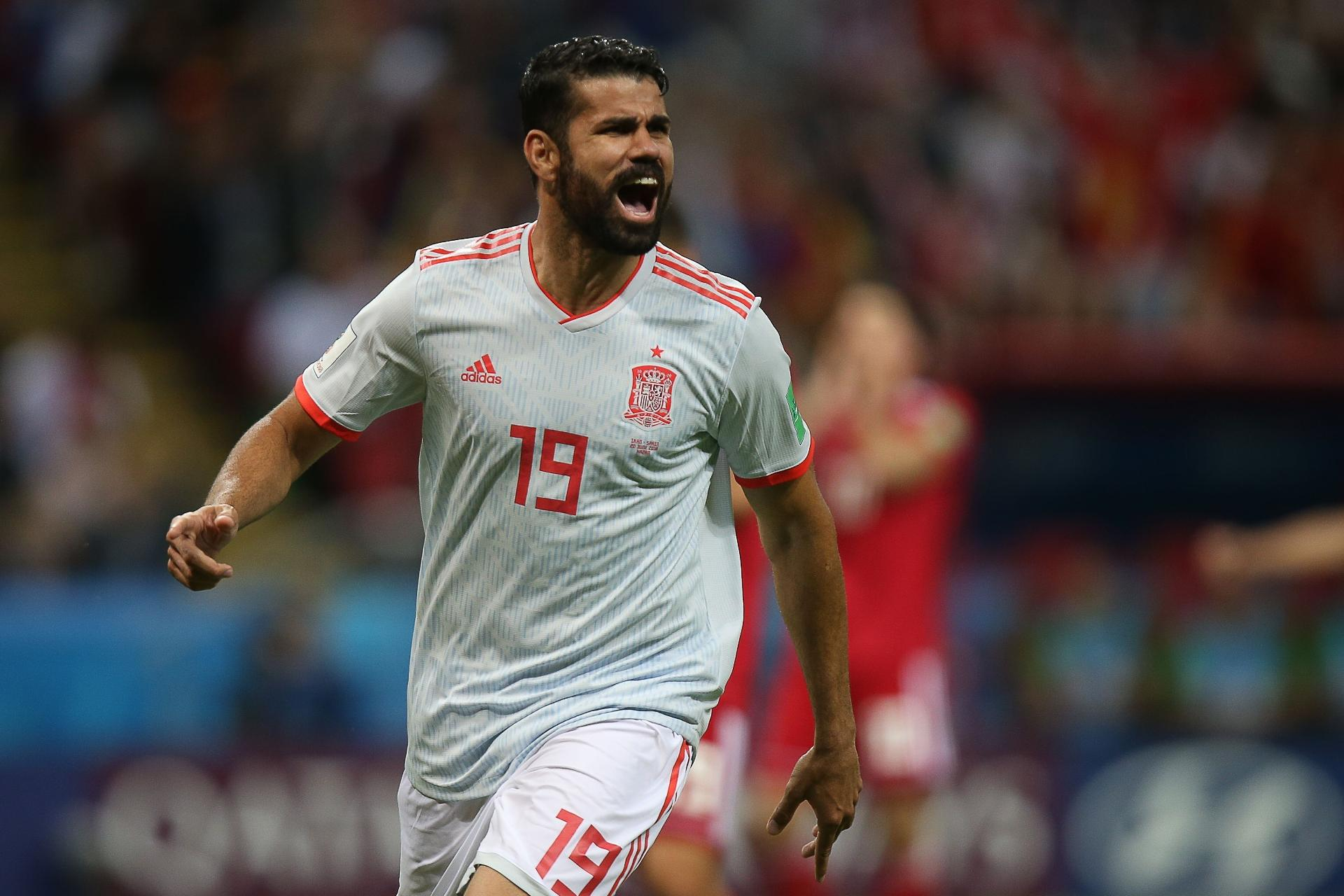 Copa do Mundo 2018  Diego Costa fura bloqueio do Irã d102d4910ff39