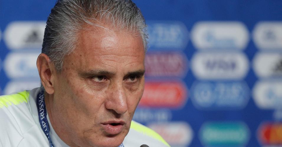 Tite concede entrevista coletiva antes do treino da seleção brasileira