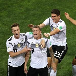 abdeeb3ed3 23 de junhoCamisa pesaGol nos acréscimos salva a Alemanha