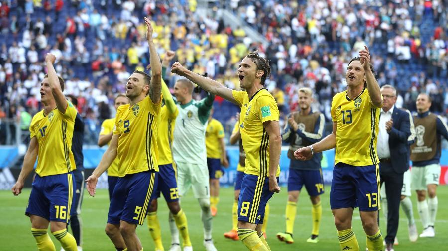 Jogadores da Suécia comemoram vitória sobre a Suíça - Francois Nel/Getty Images