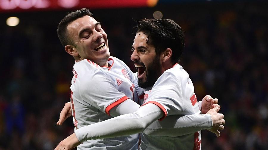 Iago Aspas comemora gol de Isco em Espanha x Argentina - Pierre-Philippe Marcou/AFP