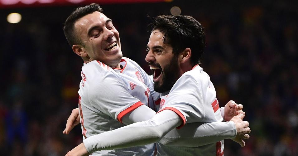Iago Aspas comemora gol de Isco em Espanha x Argentina