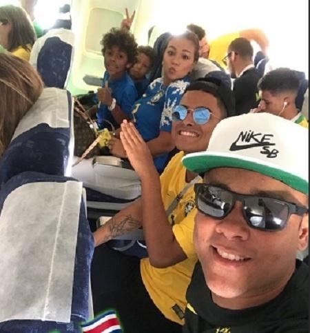 Família de Thiago Silva embarca para São Petersburgo
