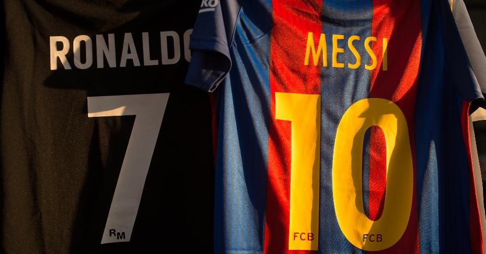 Camisas de Cristiano Ronaldo e Messi