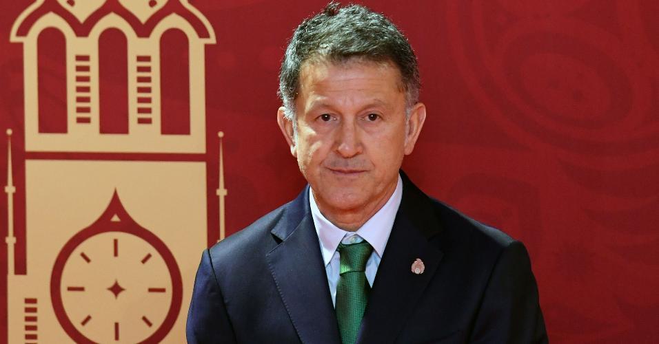 Juan Carlos Osorio, técnico do México, antes do sorteio dos grupos da Copa da Rússia