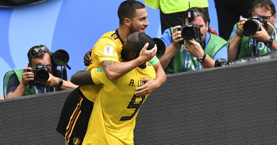 Eden Hazard celebra com Romelu Lukaku quarto gol da Bélgica contra a Tunísia