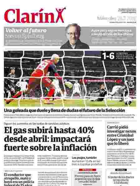 Capa do jornal Clarin sobre a derrota da Argentina para a Espanha - Reprodução - Reprodução