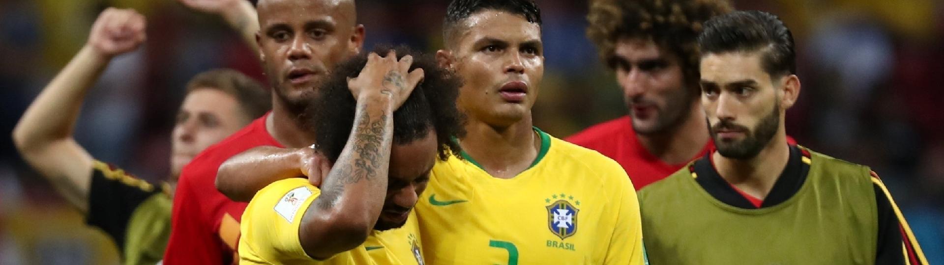 Thiago Silva consola Marcelo após derrota do Brasil para a Bélgica