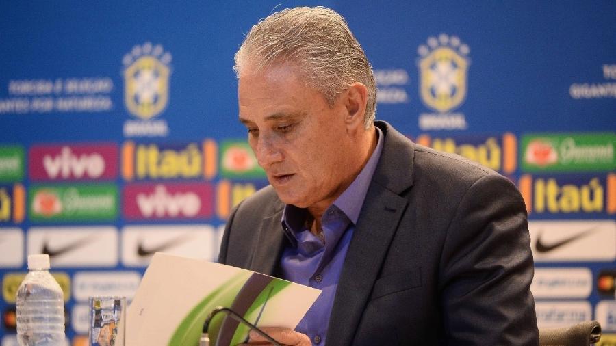 Tite lê a lista de convocados para a seleção brasileira; CBF não quer super evento para convocação final - Pedro Martins/Mowa Press