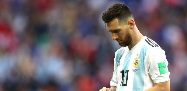 """""""Precisamos tentar deixá-lo tranquilo, para que se recomponha"""", disse presidente da AFA - Lars Baron/Fifa via Getty Images"""