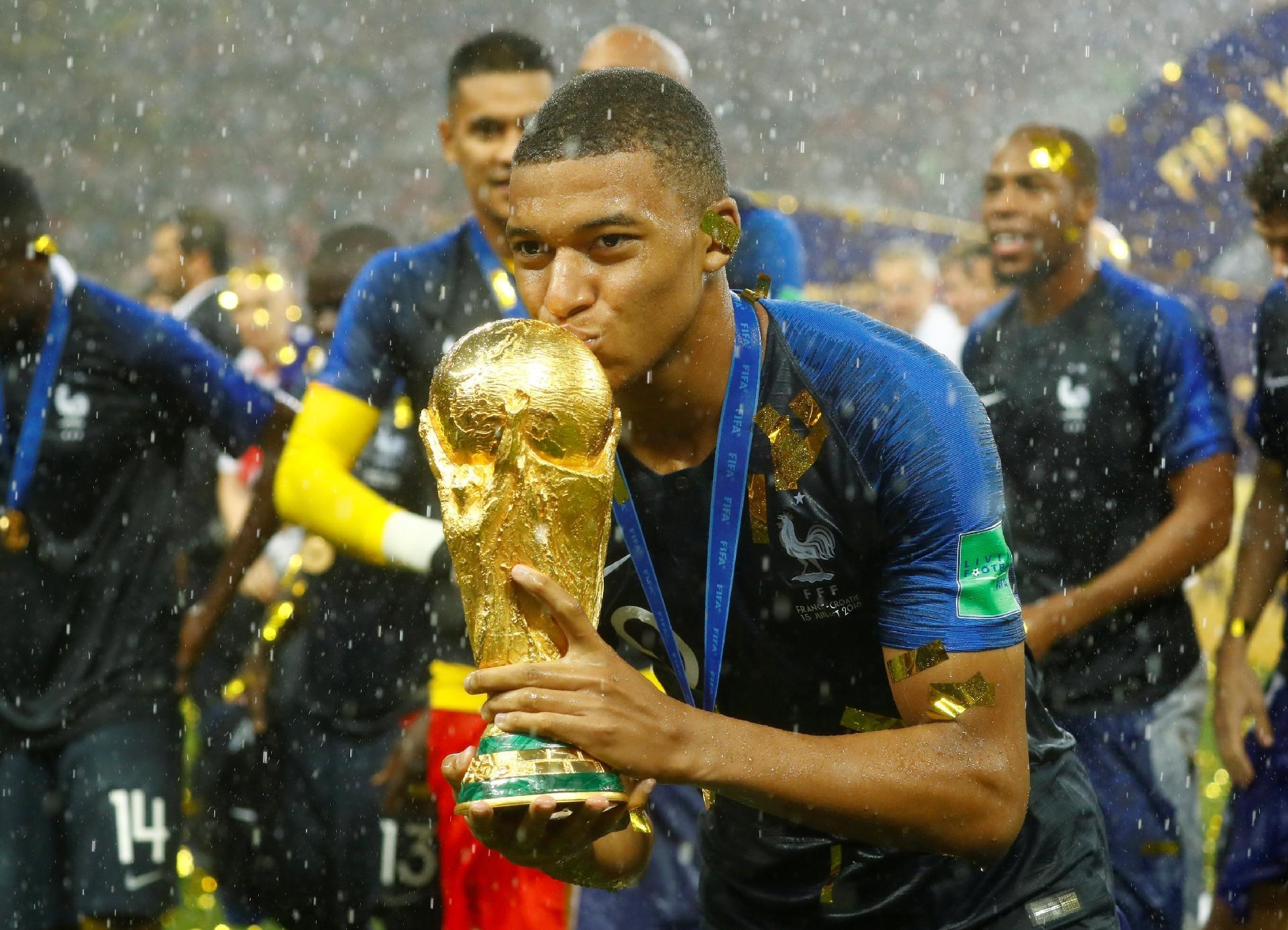 586e55b27c França na Copa 2018  Terei que tirar a poeira de minhas chuteiras ...