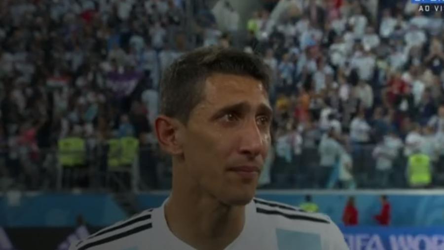 Di Maria cai no choro depois de vitória - Reprodução/SporTV