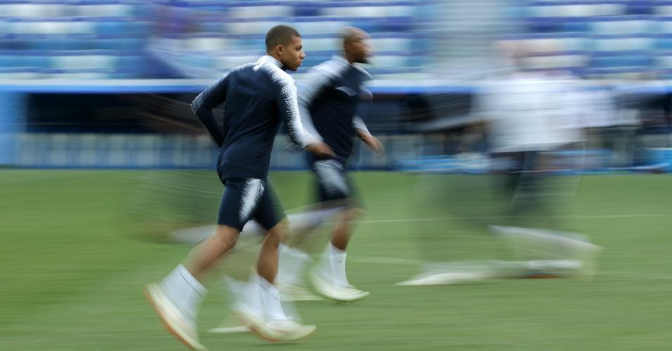 Mbappe, durante treino da França na véspera das quartas de final