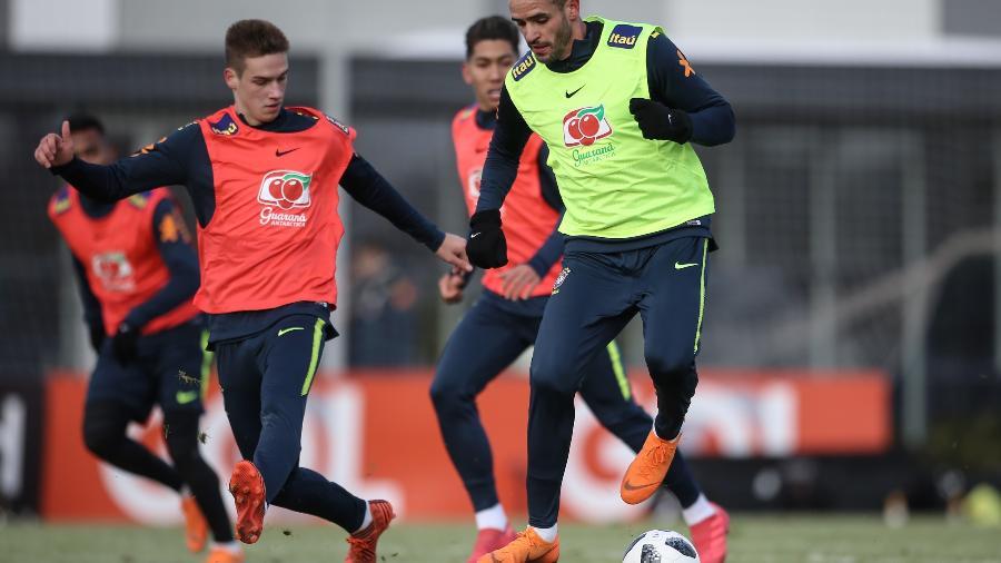 Renato Augusto participa de treino da seleção brasileira em Moscou - Pedro Martins / MoWA Press