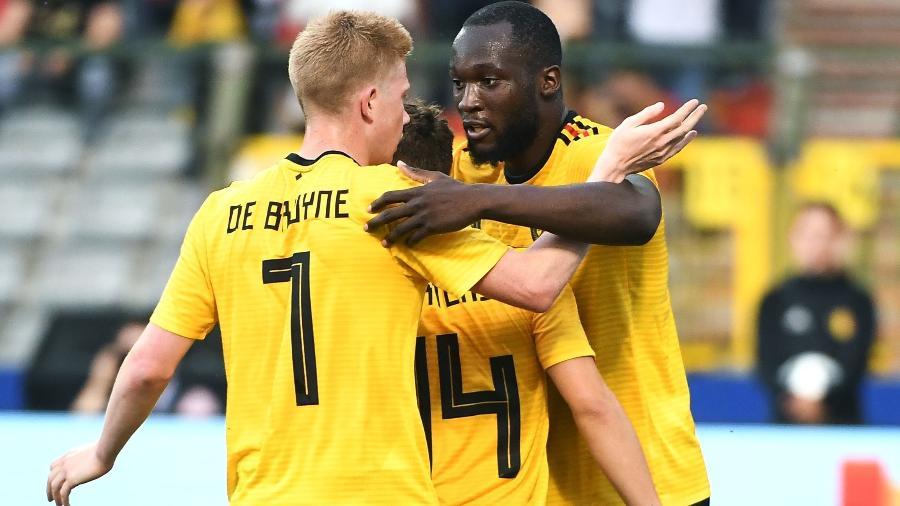 De Bruyne e Lukaku em ação pela seleção belga - Emmanuel Dunand/AFP