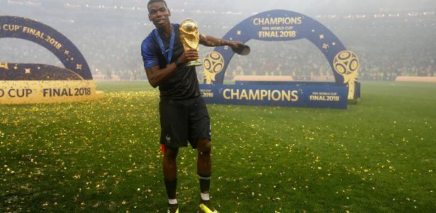 Pogba comemora a conquista da Copa do Mundo - Kai Pfaffenbach/Reuters