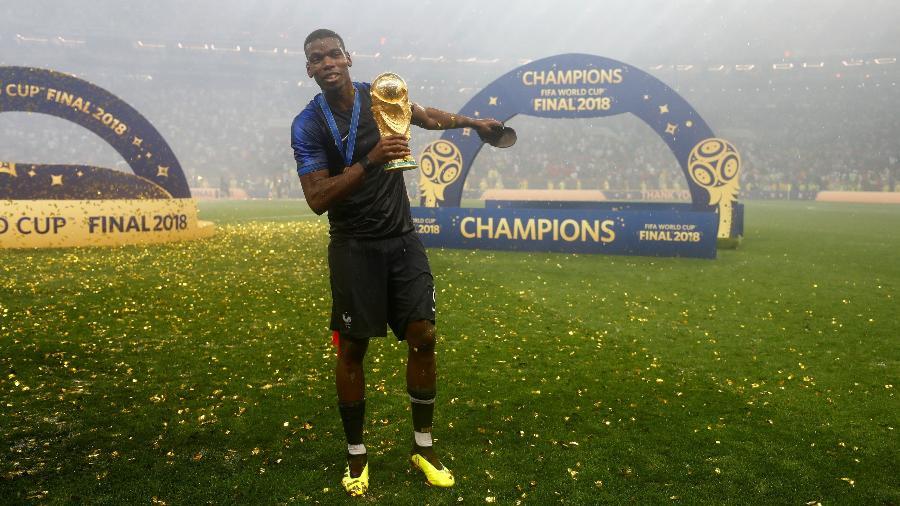 Paul Pogba comemora a conquista da Copa do Mundo de 2018, na Rússia, com a seleção da França - Kai Pfaffenbach/Reuters