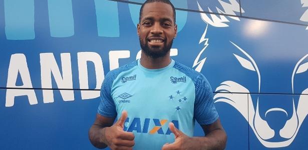 Dedé, zagueiro do Cruzeiro, recebeu sondagem do Lyon, da França