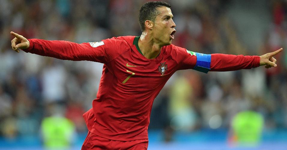 Cristiano Ronaldo fez 3 gols na estreia de Portugal contra a Espanha