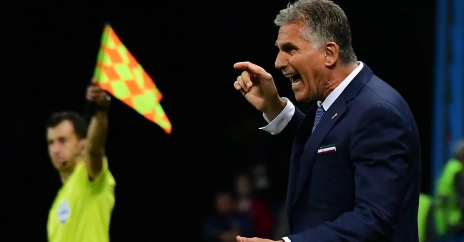 Carlos Queiroz comanda o Irã na derrota para a Espanha por 1 a 0