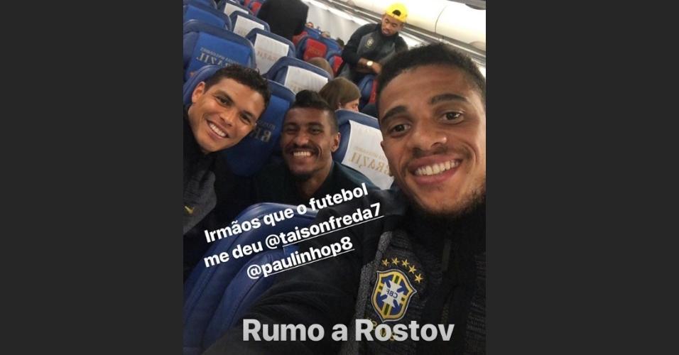 A caminho de Rostov, Thiago Silva posta ao lado de Paulinho e Taison