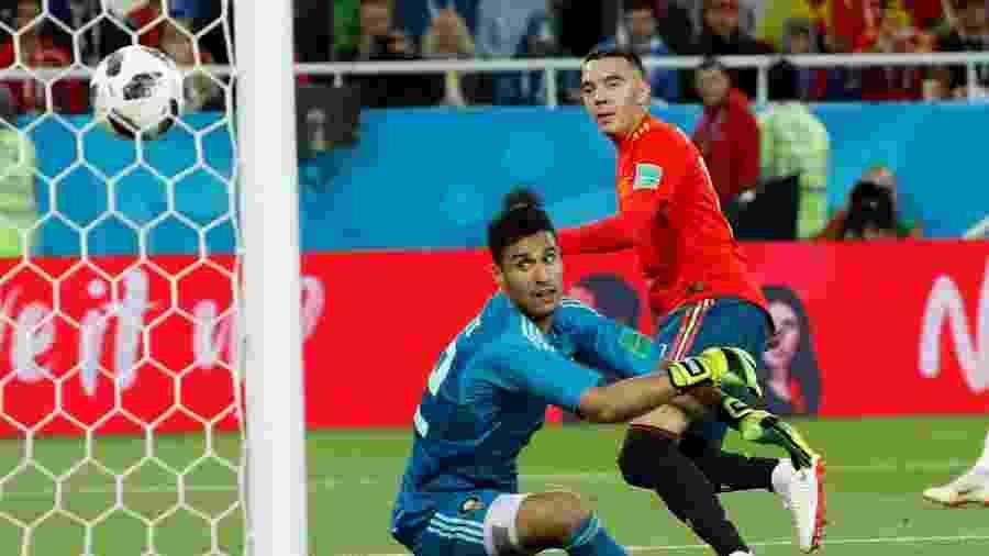 Iago Aspas marca o gol de empate da Espanha contra o Marrocos - REUTERS/Gonzalo Fuentes