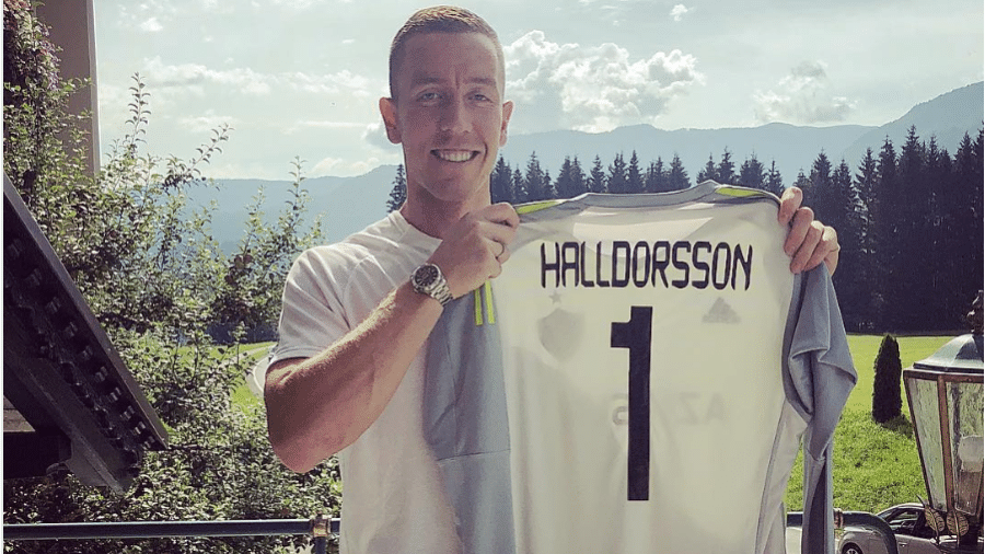 O goleiro da Islândia Halldórsson é anunciado como reforço do FK Qarabağm, do Azerbaijão - Reprodução/Instagram
